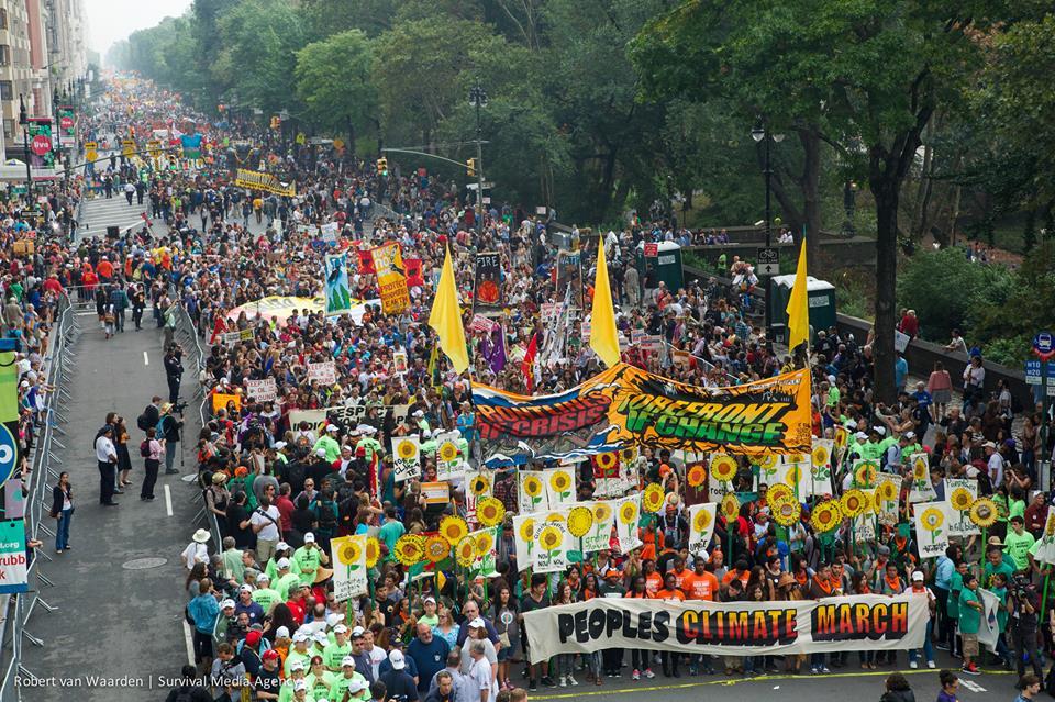 ニューヨークでのClimate March の様子。約40万人が参加しました。