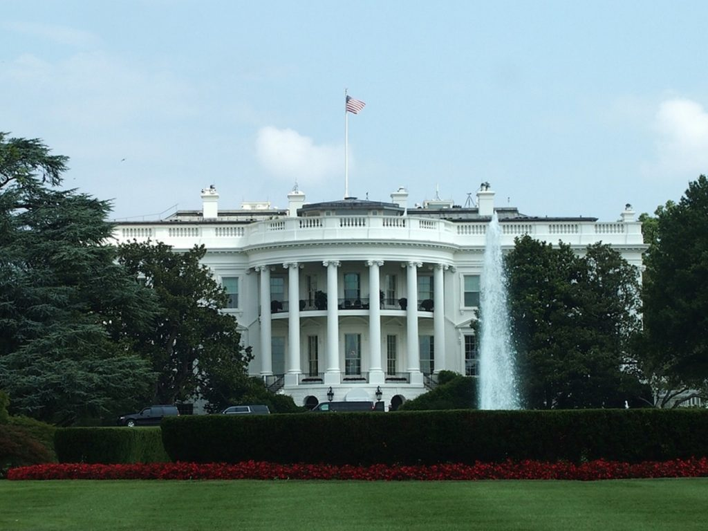 white-house-1575603_small